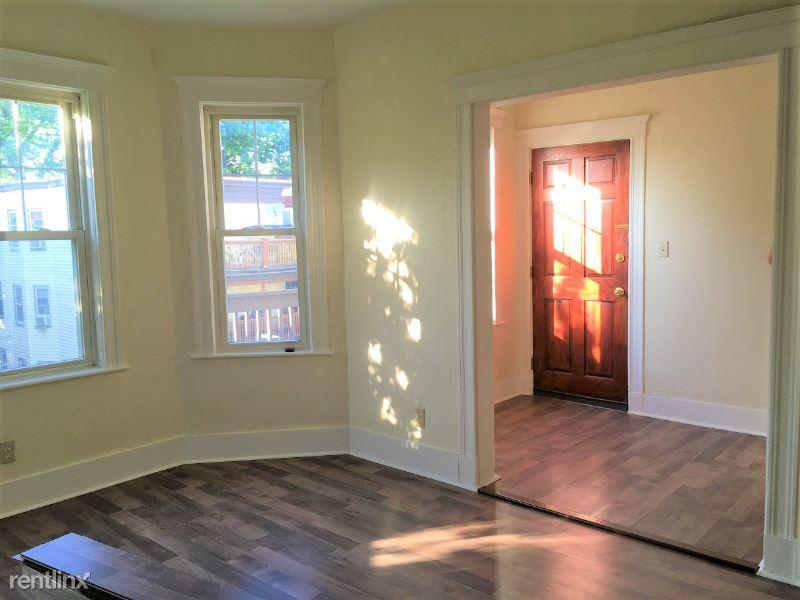 29 Ridgewood St, Dorchester, MA - $750