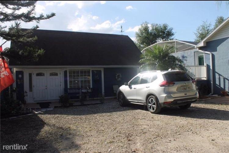 410 E Henschen Ave Guest House, Oakland, FL - $1,300