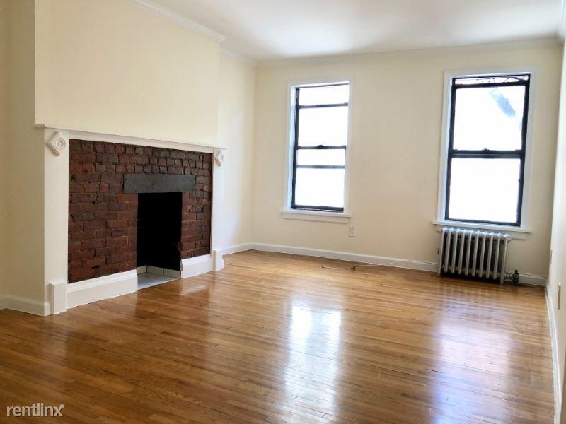 571 3rd Ave 8, New York, NY - $2,550