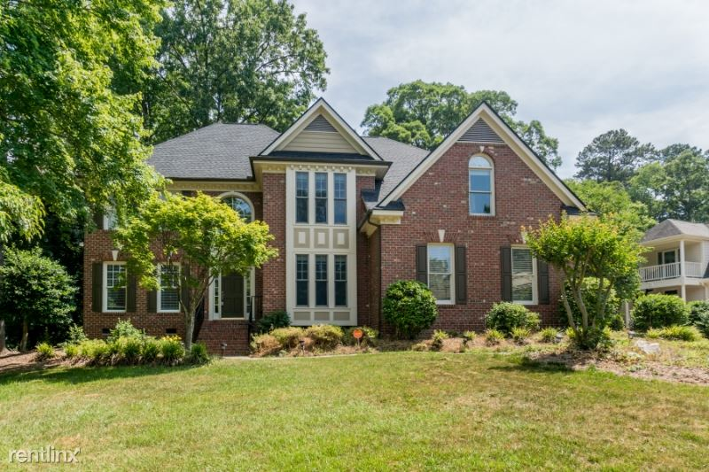 202 Whitcomb Lane, Cary, NC - $3,150