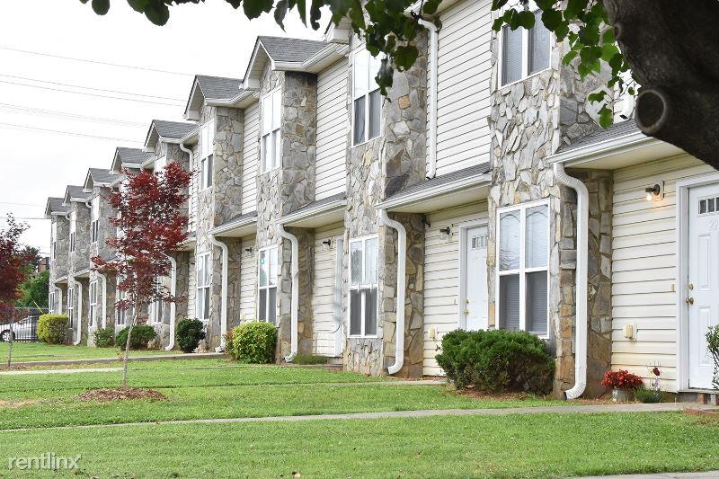 610 S Main St, Unit 28, Mooresville, NC - $975