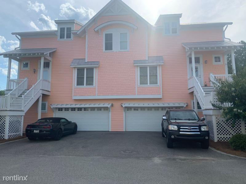 518 Spencer Farlow Dr 1, Carolina Beach, NC - $2,750