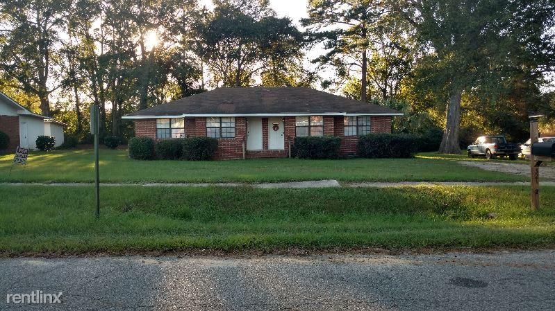 321 North Lexington Street 1, Lyons, GA - $700