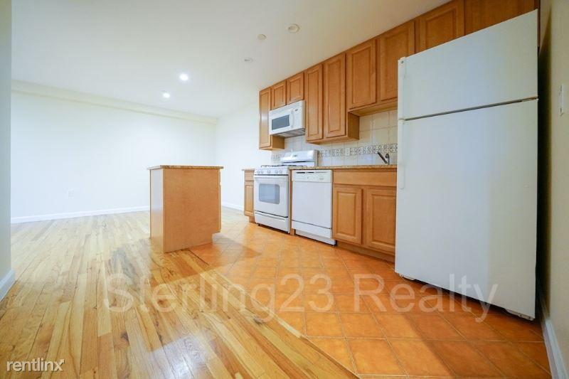 2821 Astoria blvd 4A, Astoria, NY - $2,995