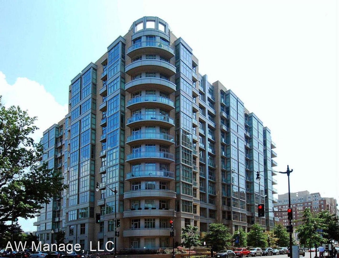 811 4th St NW Apt #403, Washington, DC - $2,850