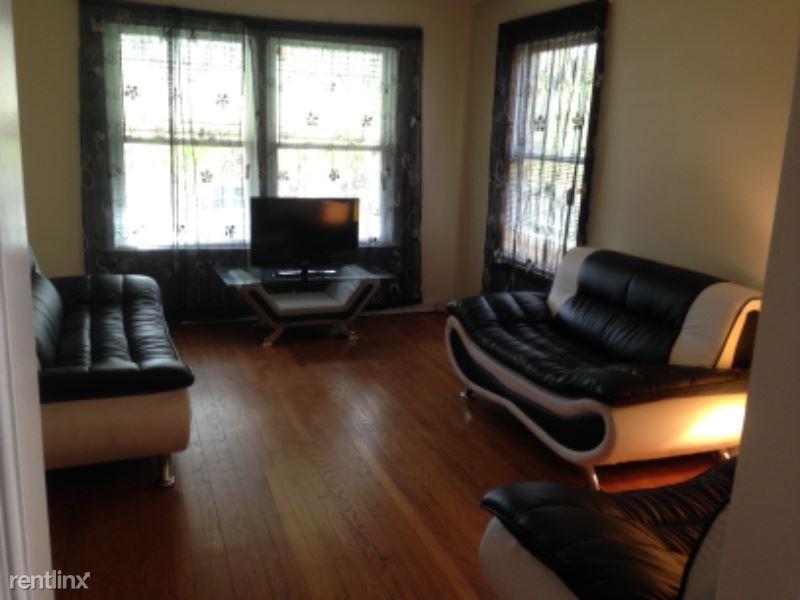 8221 Keating Ave, Skokie, IL - $1,390
