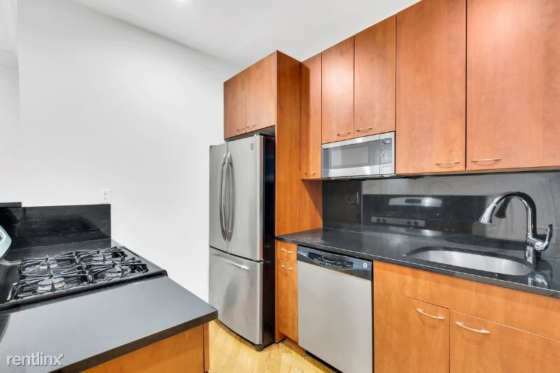 226 E 70th St, New York, NY - $4,395