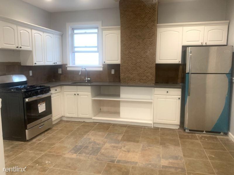 30 W 44th St 20, Bayonne, NJ - $2,599