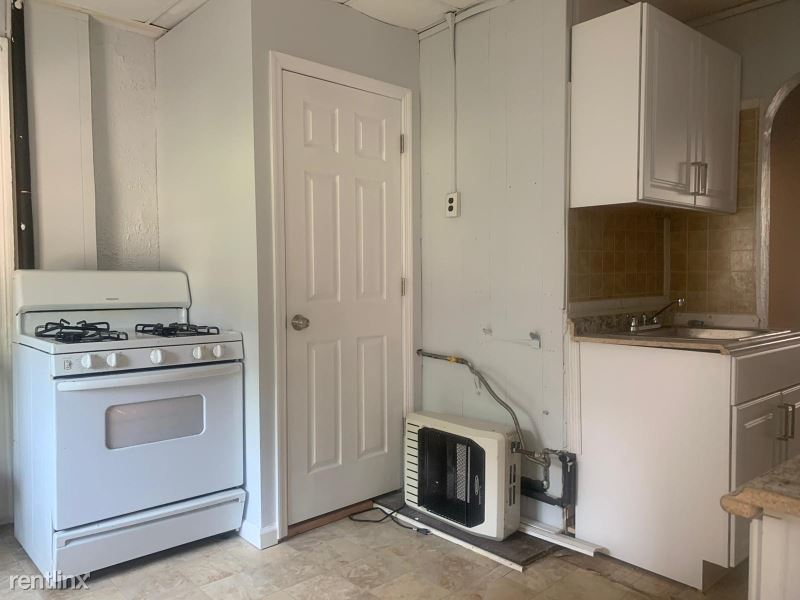 301 7th St 10 - 1399USD / month