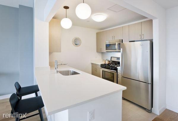 6155 Junction Blvd Apt 17N, Rego Park, NY - $3,650