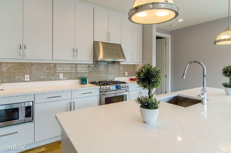 3 Pershing Rd 606, Weehawken, NJ - $2,445