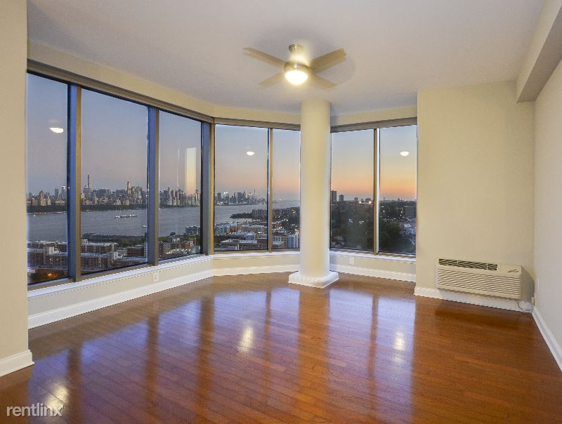 100 Gorge Road 4, Edgewater, NJ - $4,450