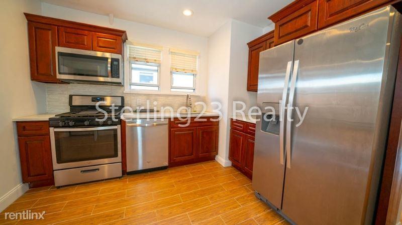 42-03 21st Ave 2, Astoria, NY - $2,950