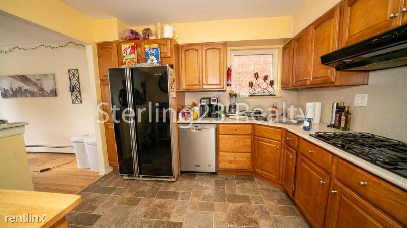 30-36 38th St 2, Astoria, NY - $3,500