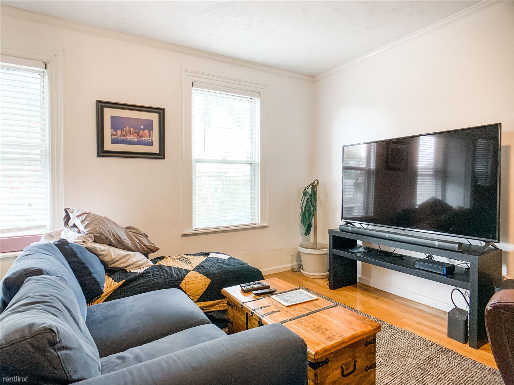 586 East Broadway, Boston, MA - $2,025