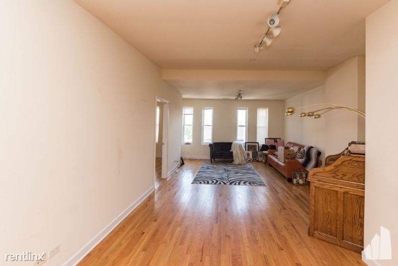 1538 N Milwaukee Ave 4F, Chicago, IL - $22,000