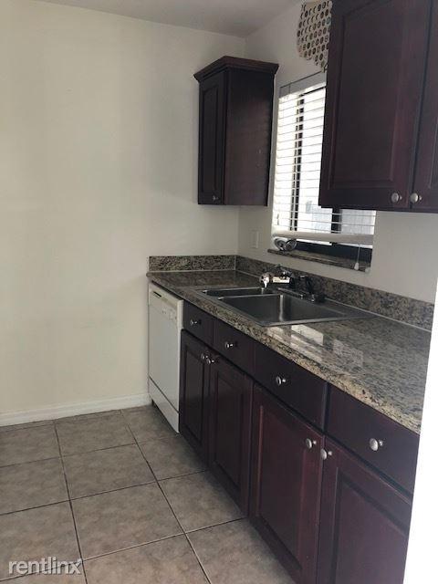 828 Lake Avenue North 1, Delray Beach, FL - $1,550