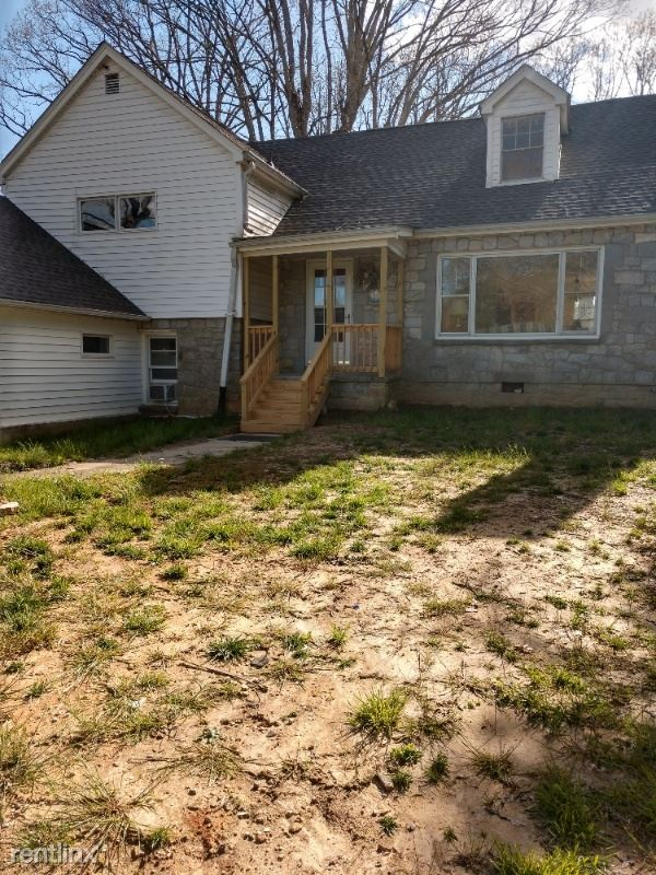 Greenville Hwy, Hendersonville, NC - $1,650