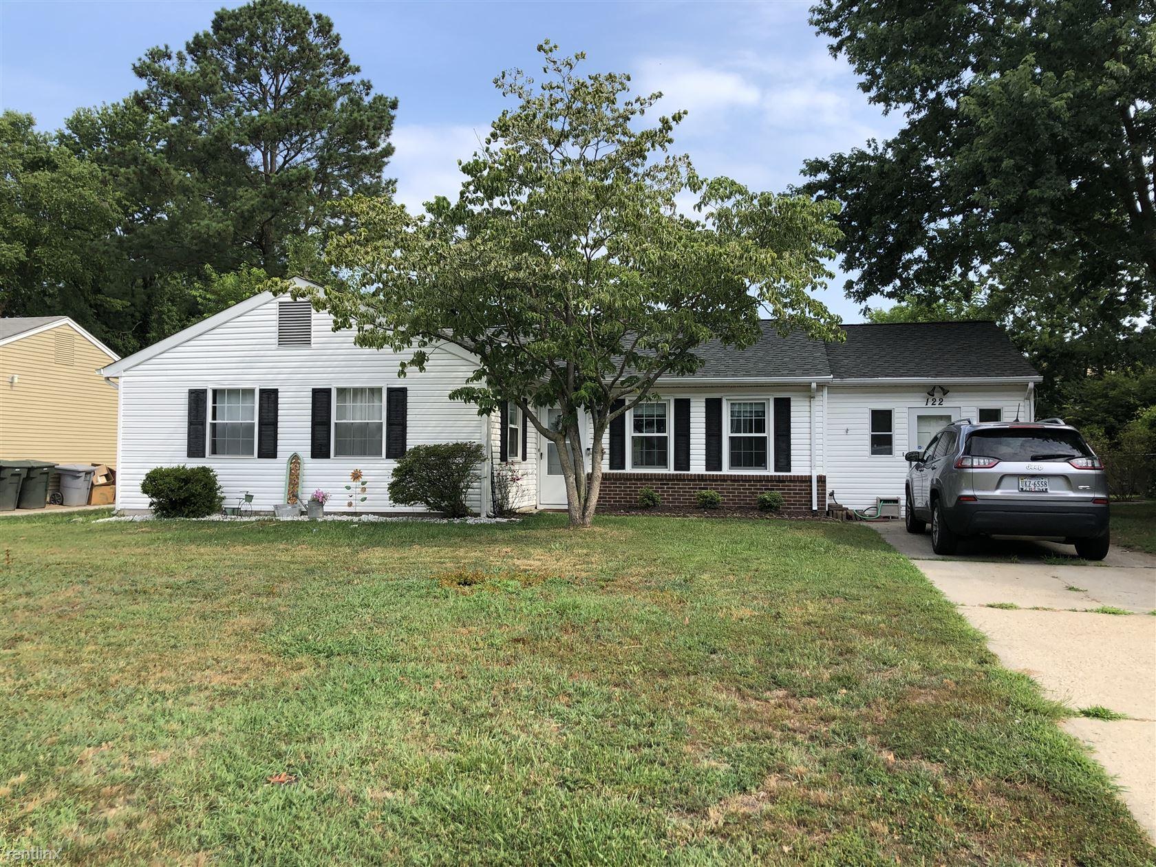 122 Fairmont Dr, Hampton, VA - $1,700
