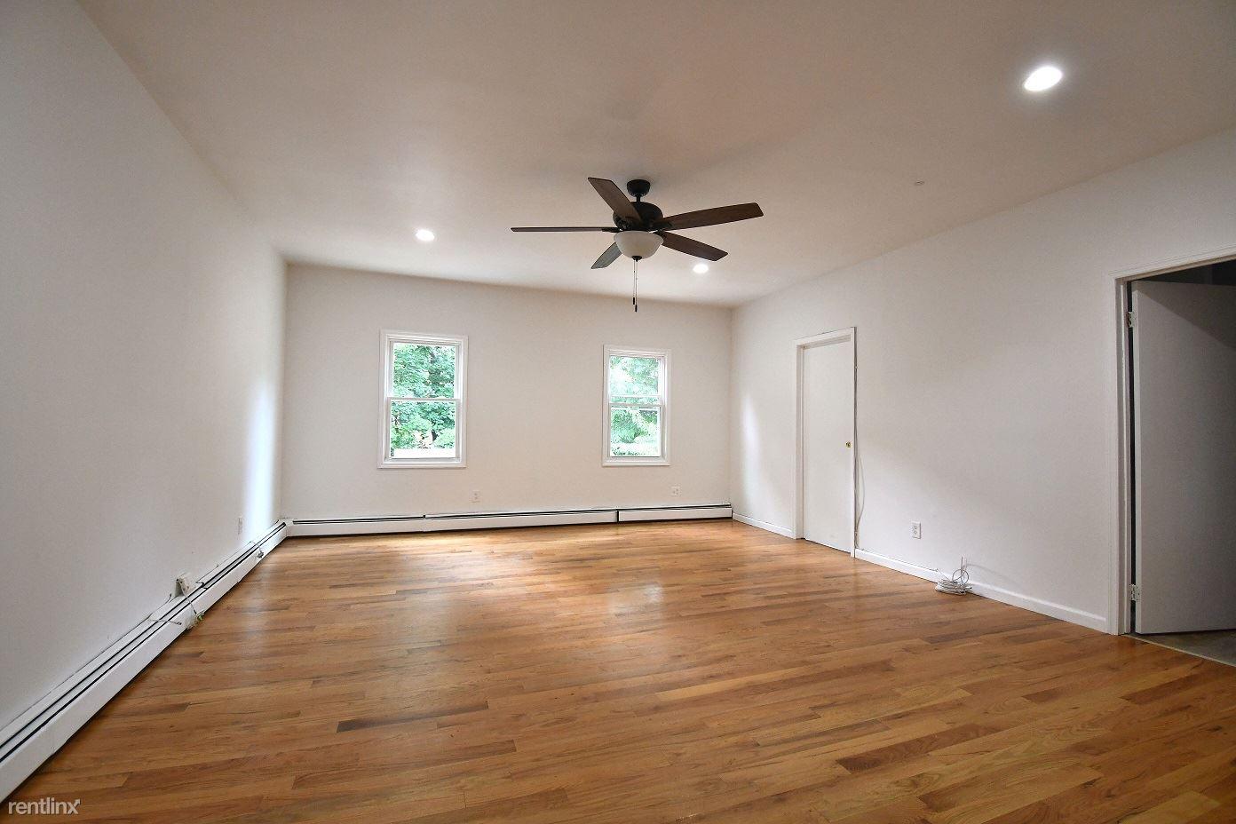 4299 Vireo Ave, Bronx, NY - $2,600