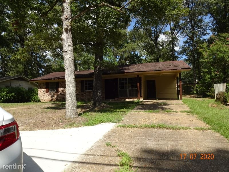 210 Fourty Oaks Farm Road, West Monroe, LA - $975