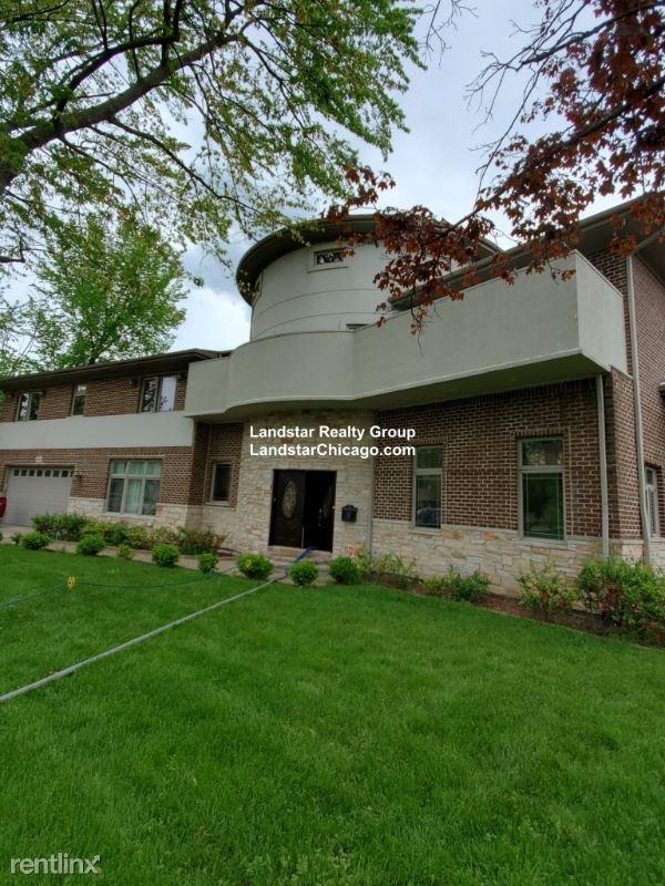 9441 Sayre ave., Morton Grove, IL - $5,700