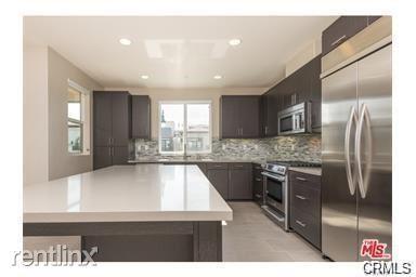 12895 Runway Rd Apt 3 # Apt, Playa Vista, CA - $6,200