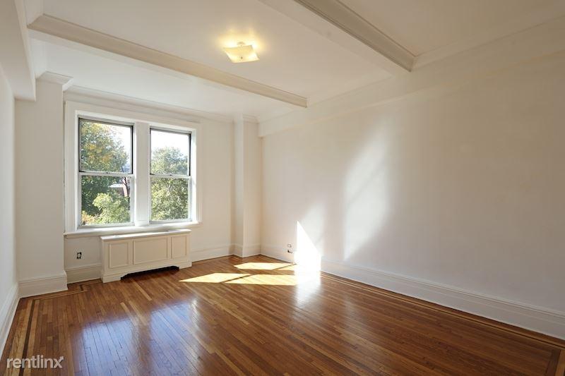 21 W 81st St 7 A, New York, NY - $14,750