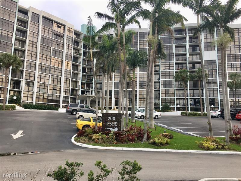200 Leslie Dr, Hallandale Beach, FL - $1,825