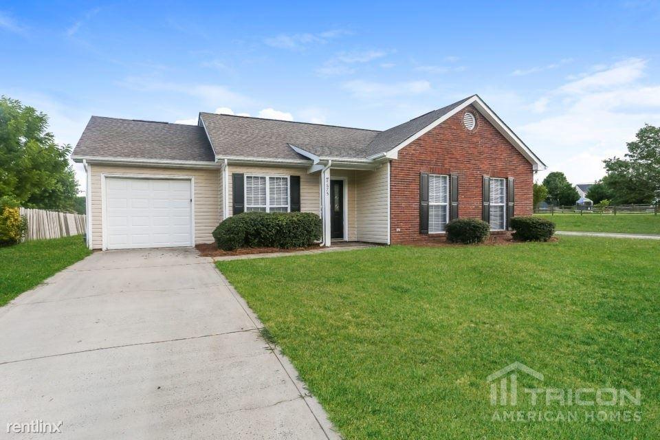 4675 Falcon Chase Drive SW, Concord, NC - $1,399