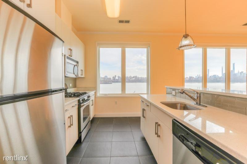 2 Main St 313, Edgewater, NJ - $3,890