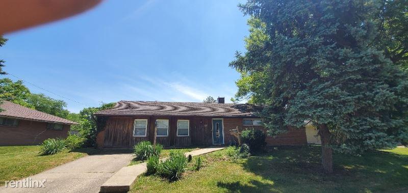5662 Rosebury Drive, Huber Heights, OH - $1,095