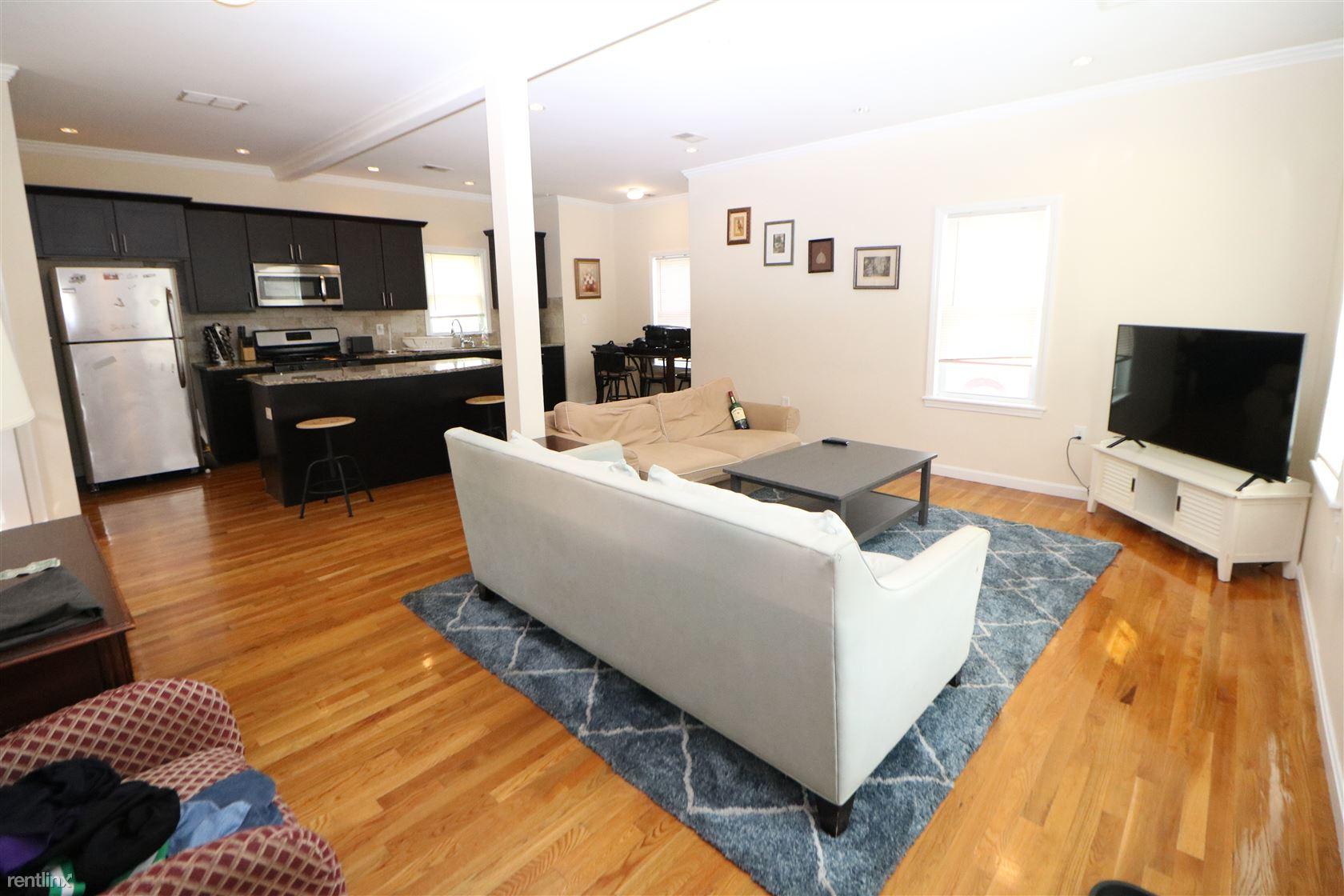 5 Orient Ave, Everett, MA - $2,700