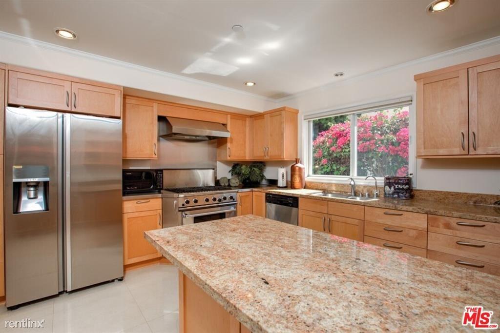 846 21st St Unit 5, Santa Monica, CA - $7,995