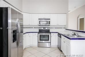 9064 SW 214th St, Cutler Bay, FL - $2,325