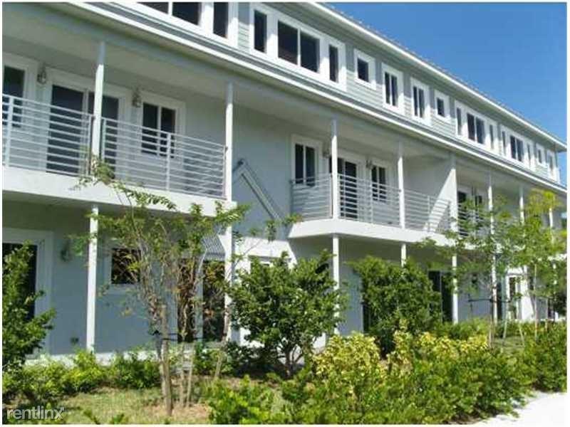 611 NE 28th Street 2, Wilton Manors, FL - $2,600