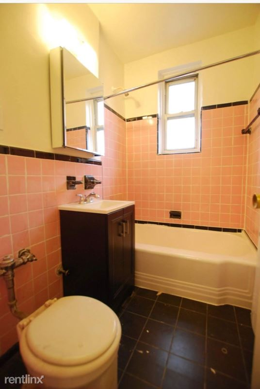 Frame Pl, Flushing, NY - $1,760