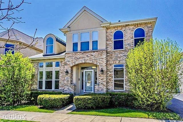 696 Rienzi Ln, Highwood, IL - $2,975