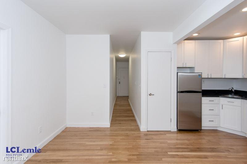 142 E 26th St, New York, NY - $2,545