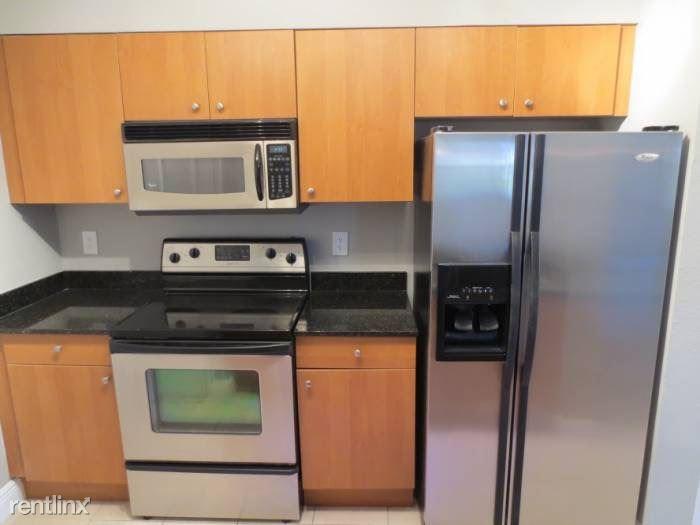 2881 N Oakland Forest Dr Apt 113, Oakland Park, FL - $1,545