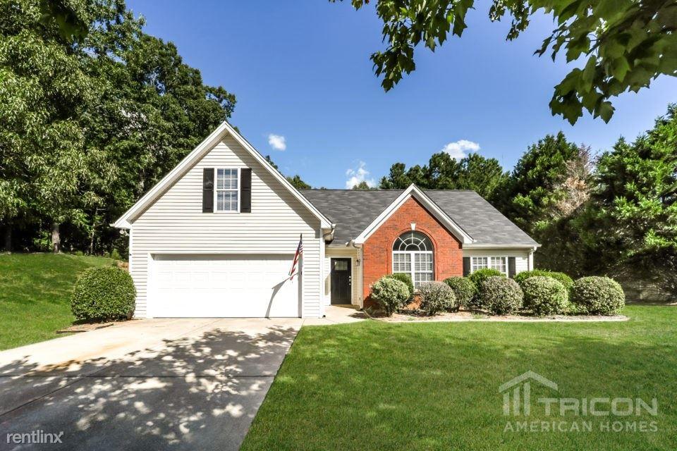5545 Amber Cove Way, Flowery Branch, GA - $1,799