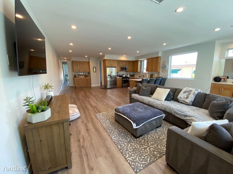 17061 Sandra Lee Ln B2, Huntington Beach, CA - $4,350