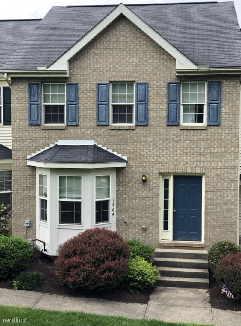 1464 Meadowbrook Dr, Canonsburg, PA - $1,595