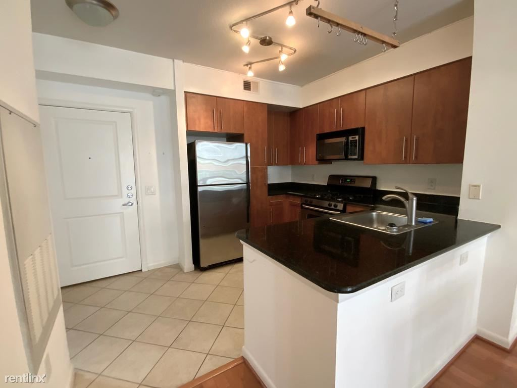 1021 N Garfield St #319, Arlington, VA - $2,100