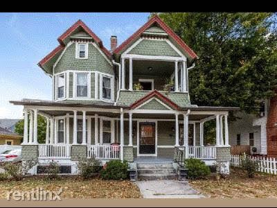 38 Churchill St, Springfield, MA - $700