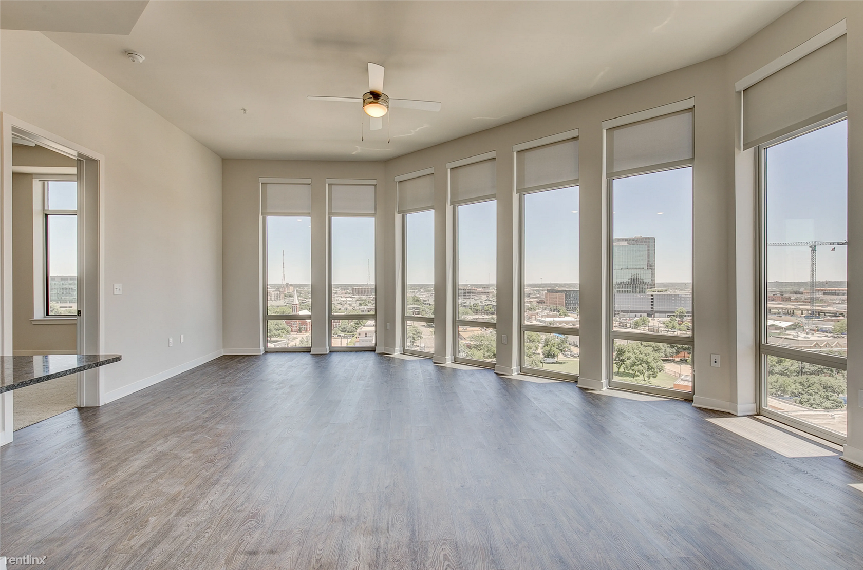 2821 Live Oak St, Dallas, TX - $5,305 USD/ month