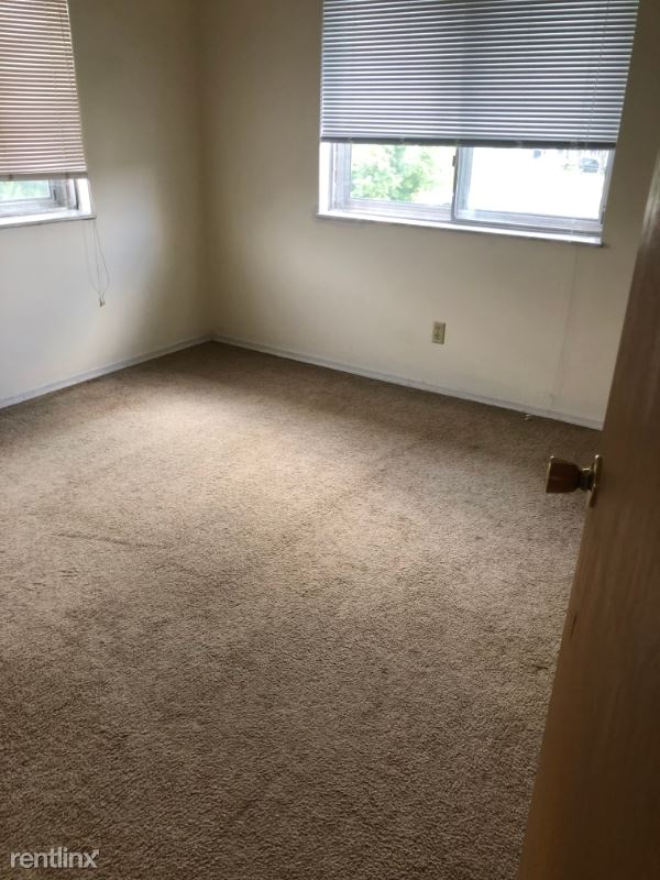 1103 W James Blvd Apt 3, Saint James, MO - $450