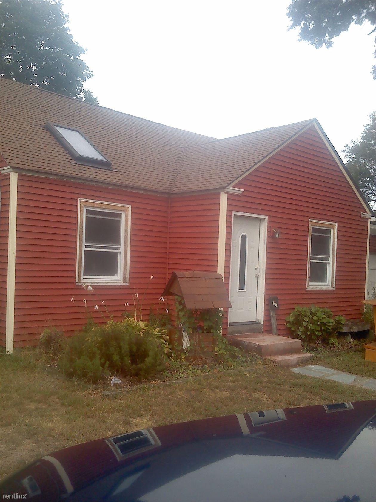 201 Pinnery Ave, Warwick, RI - $1,800