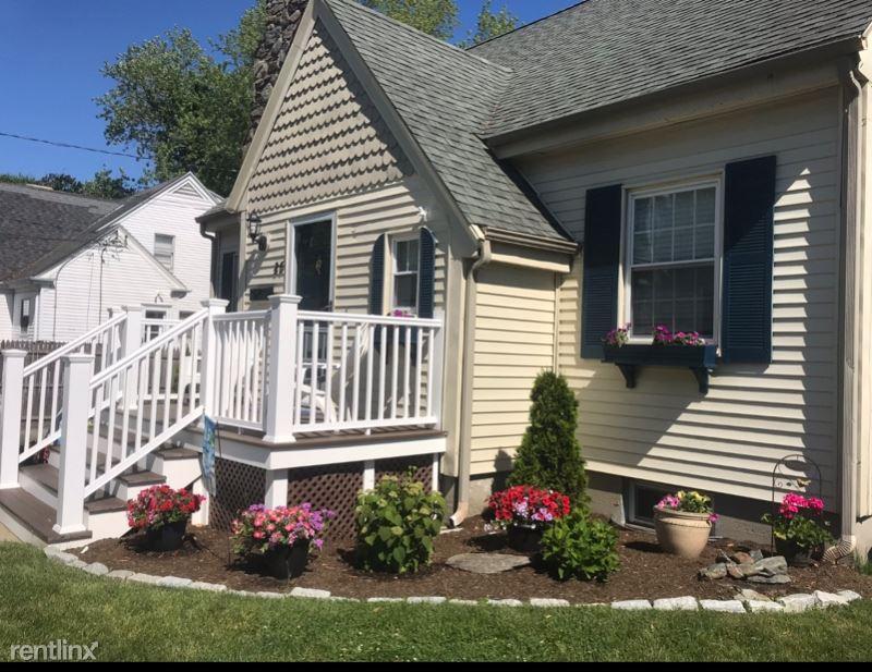 85 Maple Ave, Middletown, RI - $1,700