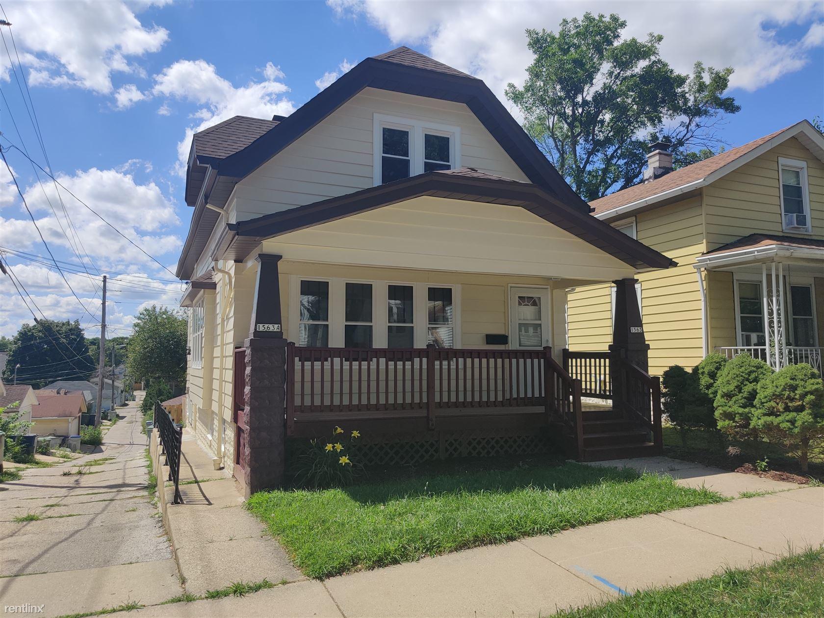 1563 S 33rd St Apt 1, Milwaukee, WI - $850